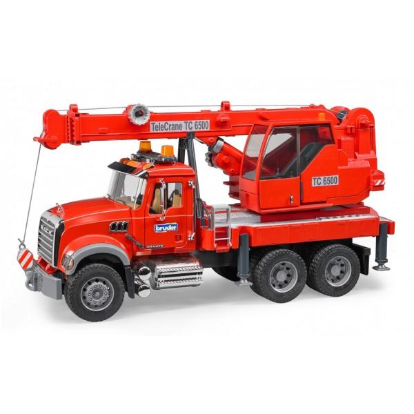 Пожарная машина MACK Granite с краном, светом и звуком, Bruder 02826