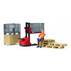 Механический складской погрузчик с аксессуарами и фигуркой Bruder 62200