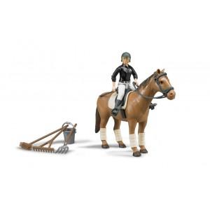 Фигурка всадницы на лошади с инструментами, Bruder 62505